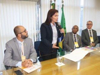 Deputada Conceição Sampaio participa do 2º Encontro de Presidentes do Sistema CONTER/CRTRs